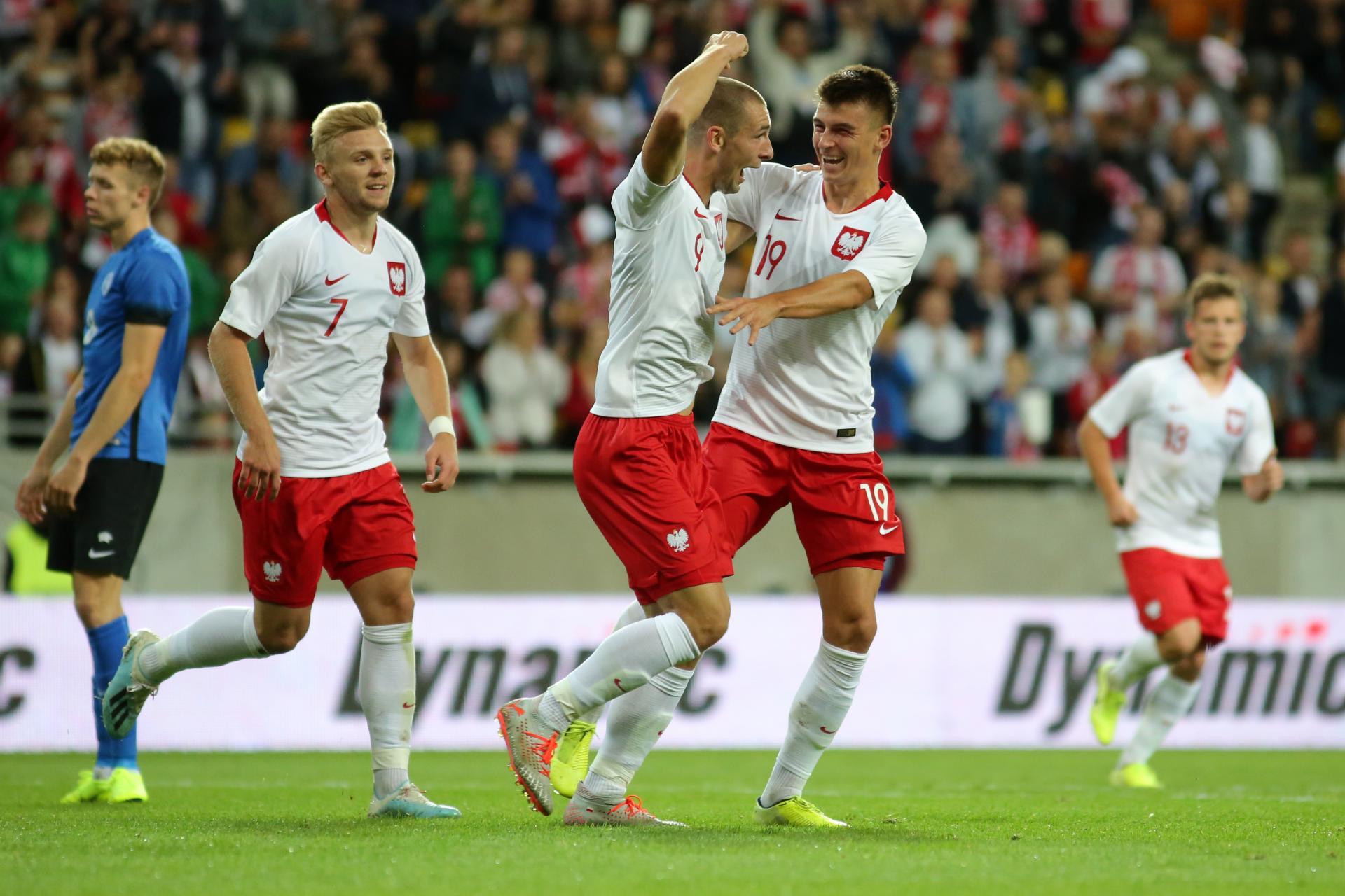 Kamil Jóźwiak (nr 7), Paweł Tomczyk (9) i Karol Fila (19) podczas meczu Polska - Estonia 4:0 w eliminacjach Euro do lat 21 2021 (10.09.2019).