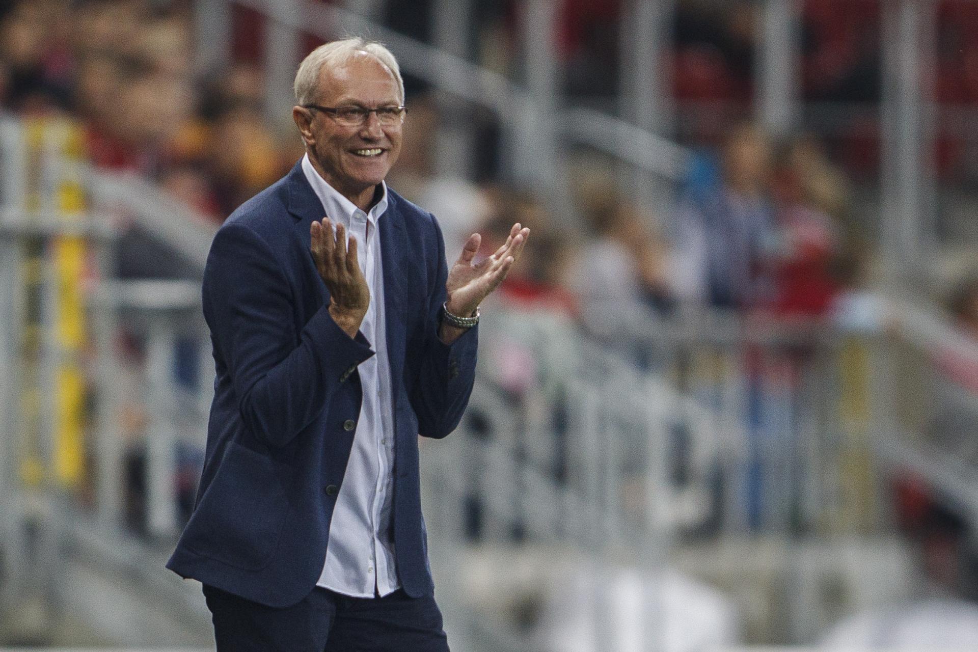 Franciszek Smuda jako trener Widzewa Łódź (19.08.2017).