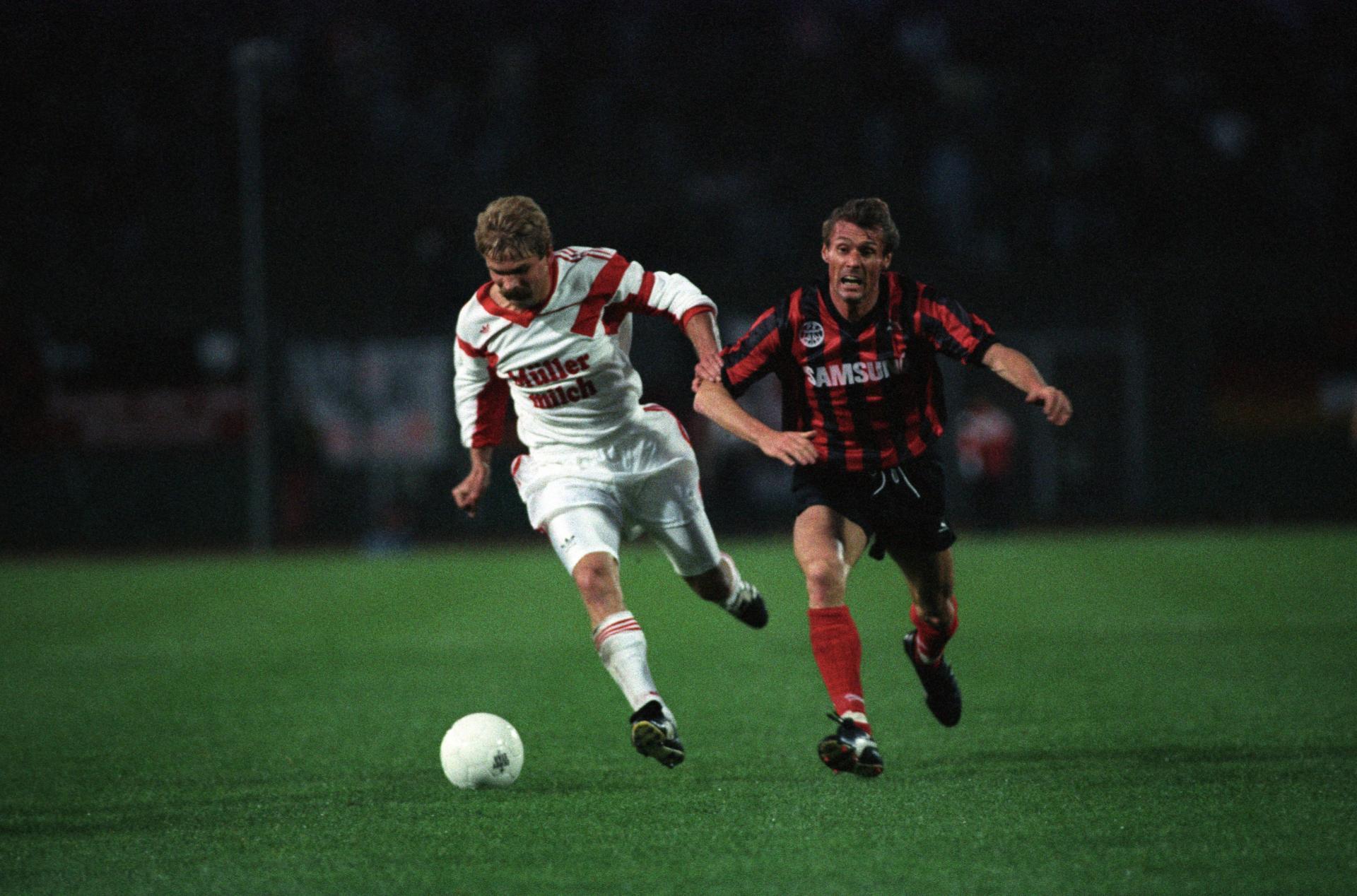 Wiesław Cisek i Rudi Bommer podczas meczu Eintracht Frankfurt - Widzew Łódź 9:0 (30.09.1992).