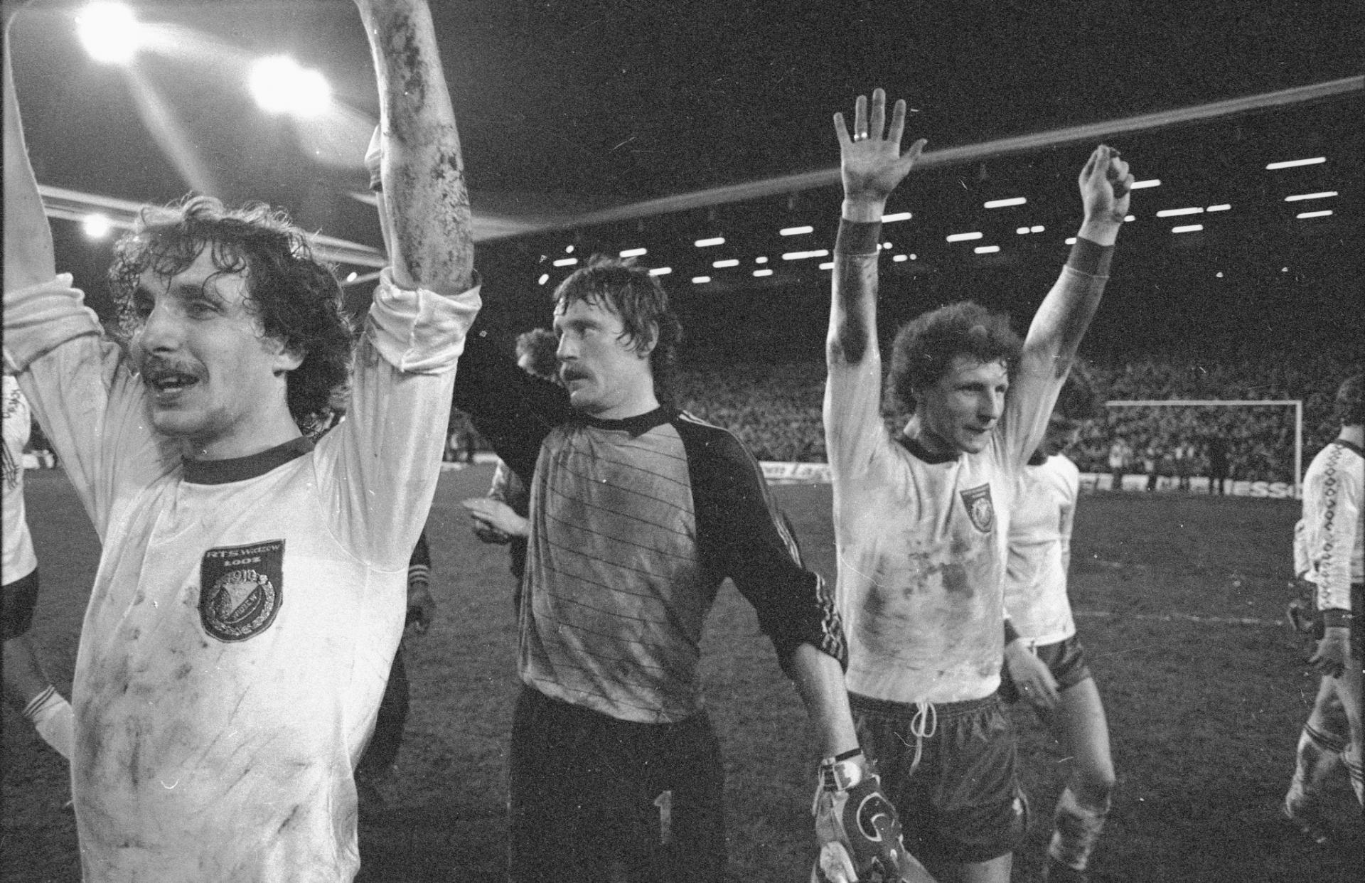 Piotr Romke, Józef Młynarczyk, Krzysztof Surlit po meczu Liverpool FC - Widzew Łódź 3:2 (16.03.1983).