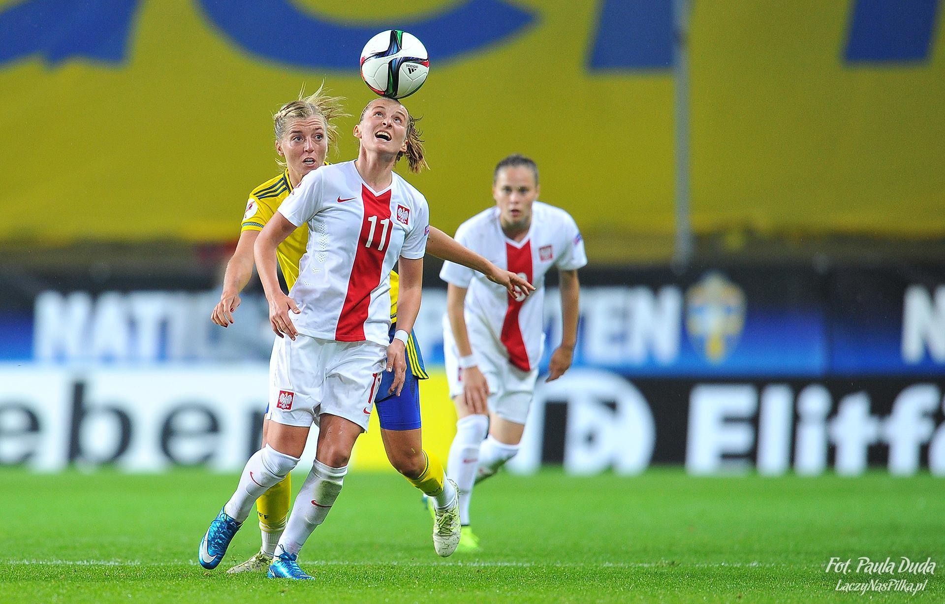 Ewelina Kamczyk i biegnąca za jej plecami Ewa Pajor to miała być nasza tajna broń przeciw Szwedkom. Niestety, w Göteborgu obie nie zaprezentowały się zbyt dobrze.