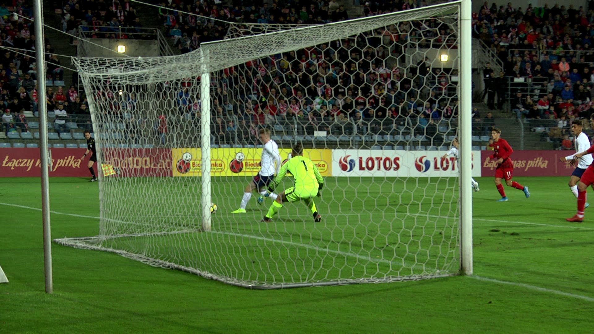 Mecz towarzyski drużyn do lat 19 Polska - Anglia (2:5) w Opolu. 11.10.2019.