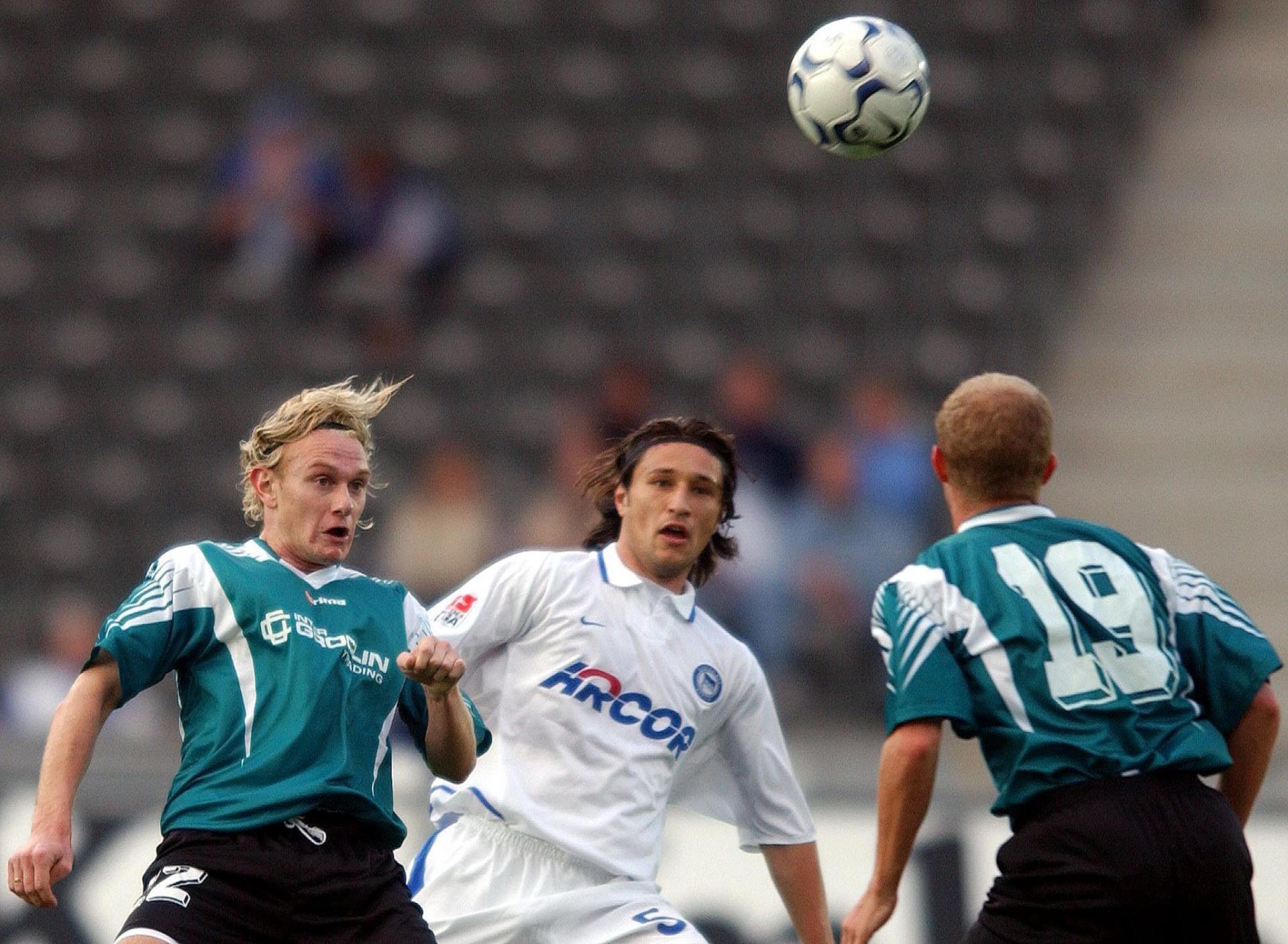 Sebastian Mila i Niko Kovac podczas meczu Hertha BSC Berlin - Groclin Dyskobolia Grodzisk Wielkopolski 0:0 (24.09.2003).