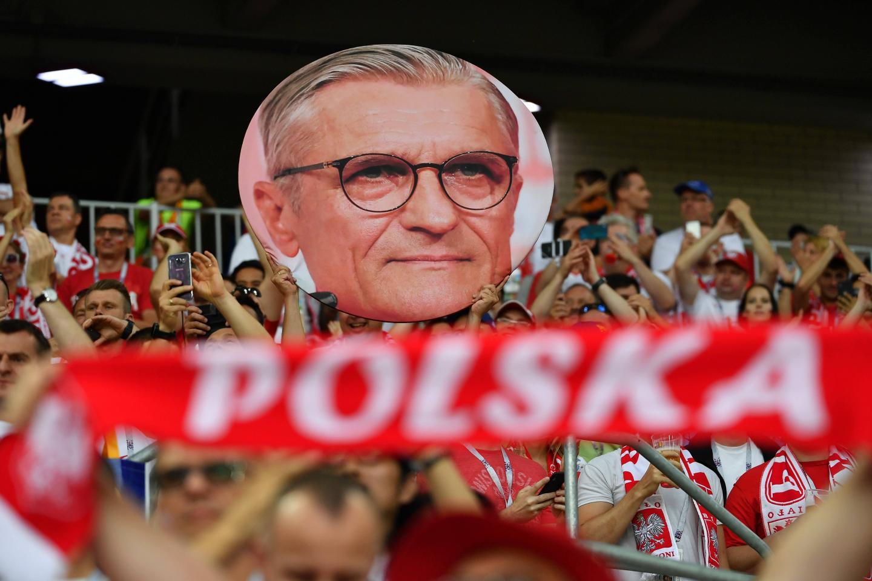 Polscy kibice na trybunach.