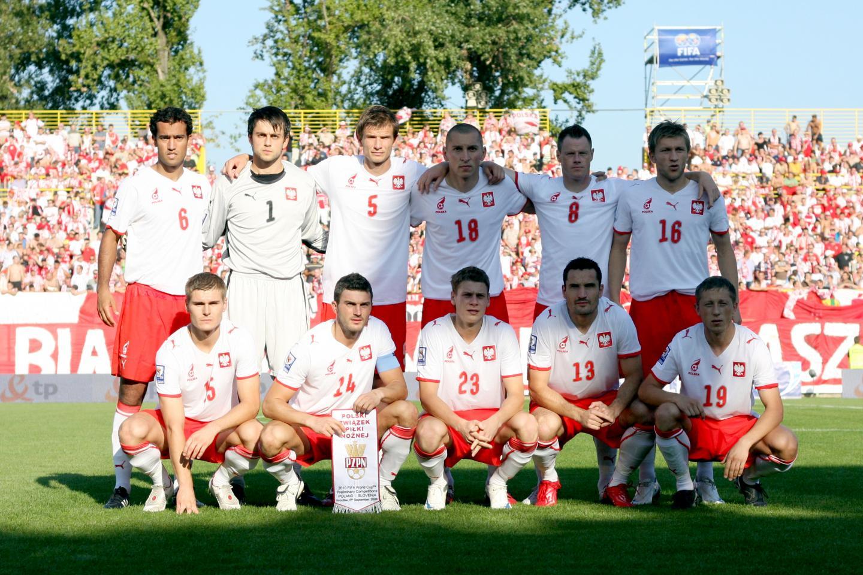 Zdjęcie reprezentacji Polski przed meczem ze Słowenią w eliminacjach mistrzostw świata 2010.