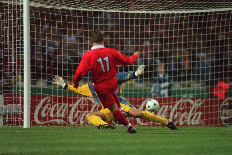 Marek Citko strzela gola Anglikom