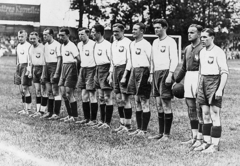 Reprezentacja Polski przed meczem z Brazylią na mistrzostwach świata 1938.