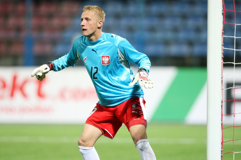 W takiej roli w koszulce z orłem na piersi można było go zobaczyć tylko raz. W 2007 roku w meczu eliminacji młodzieżowych mistrzostw Europy przeciwko Hiszpanii Kamil Glik przez kilkanaście minut zagrał jako bramkarz.