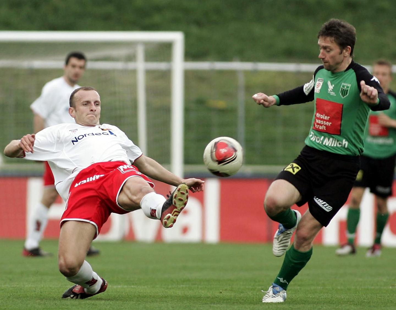 Jerzy Brzęczek w barwach austriackiego zespołu Wacker Innsbruck.