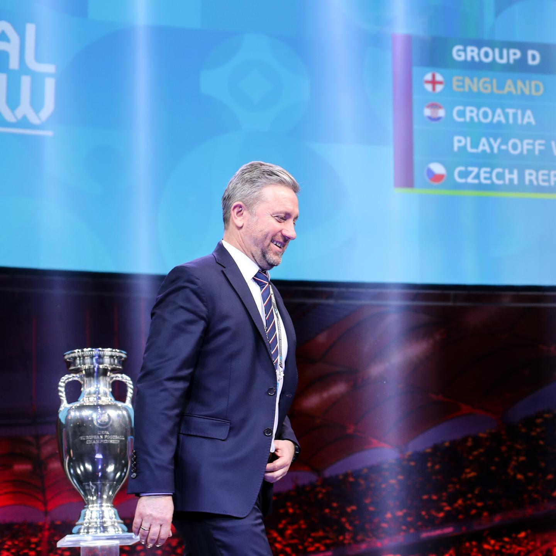 Jerzy Brzęczek podczas losowania grup Euro 2020 w Bukareszcie (30.11.2019).