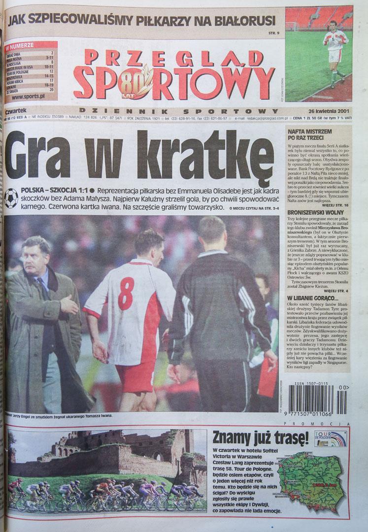 Okładka przeglądu sportowego po meczu polska - szkocja (25.04.2001)