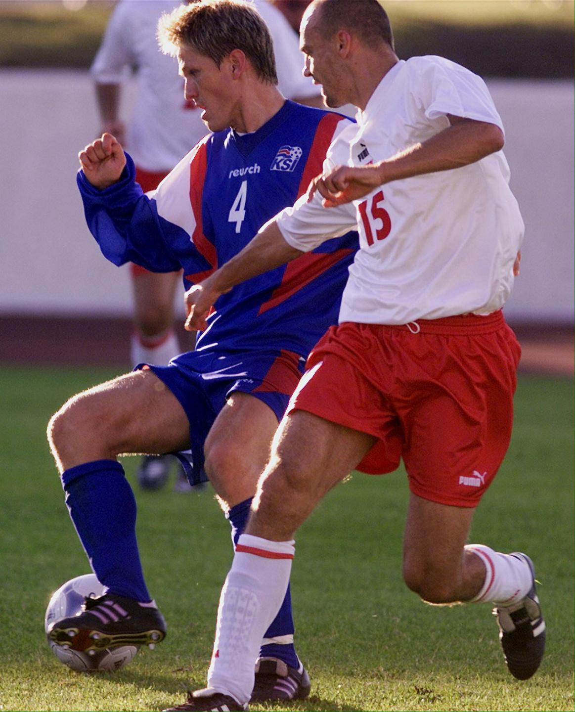 Paweł Kaczorowski podczas meczu Islandia - Polska 1:1 (15.08.2001).