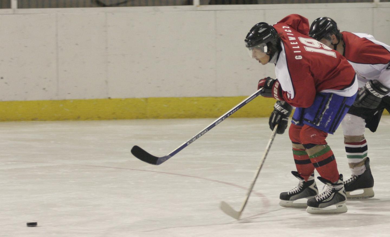 Radosław Gilewicz w meczu hokeja na lodzie.