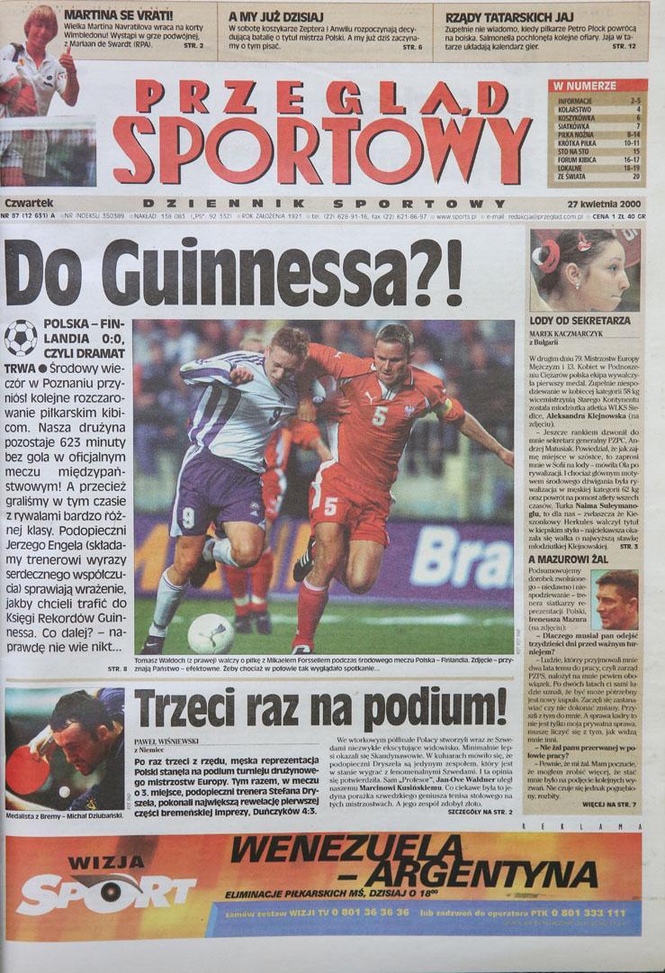 Okładka przeglądu sportowego po meczu polska - finlandia (26.04.2000)