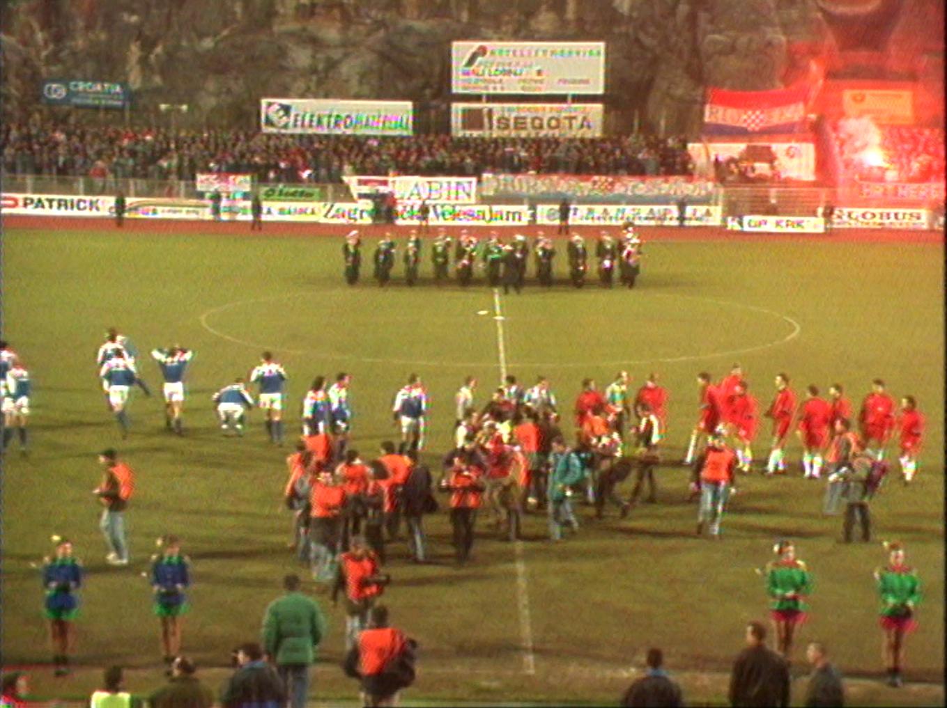 Reprezentacja Polski i Chorwacji po odegraniu hymnów.