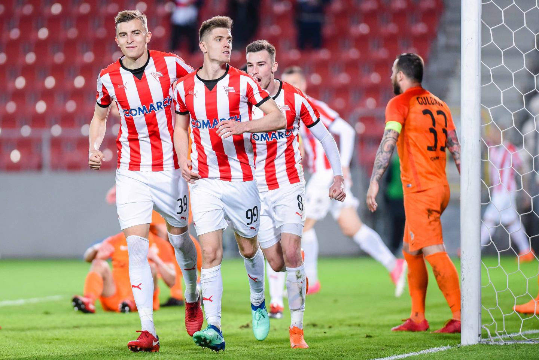 Krzysztof Piątek po zdobyciu bramki dla Cracovii w meczu z Zagłębiem Lubin (07.04.2018).