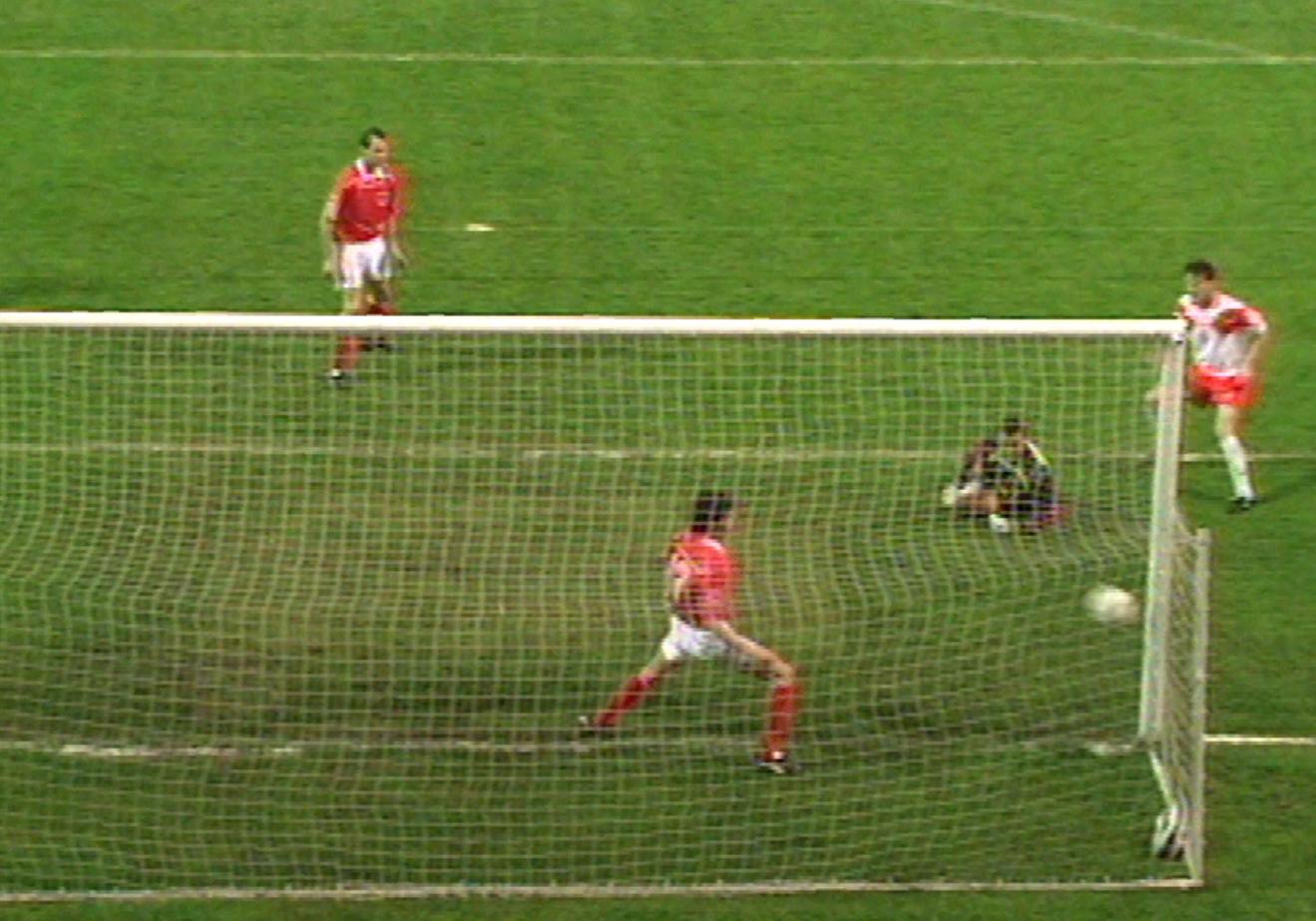 Gol na otarcie łez. W końcówce spotkania strzelił go Kazimierz Moskal, który w przerwie zmienił Wojciecha Kowalczyka.