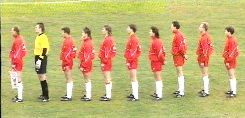 Reprezentacja Polski przed meczem towarzyskim z Cyprem w Nikozji w lutym 1993 roku.