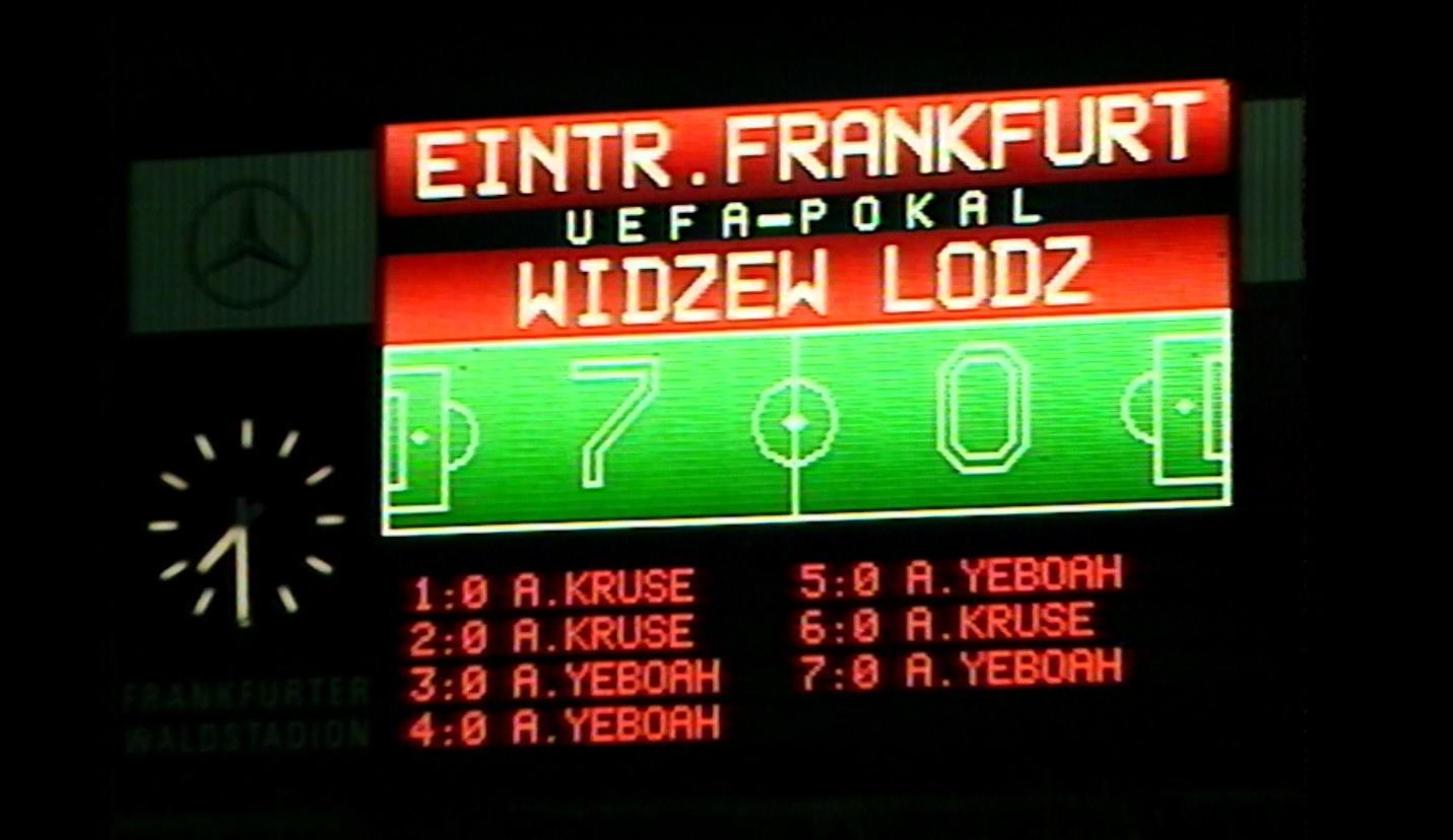 Zegar podczas meczu Eintracht Frankfurt - Widzew Łódź 9:0 (30.09.1992).
