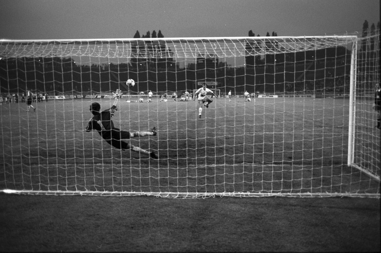 W serii jedenastek piłkarze obu drużyn popisali się dużą skutecznością. Do siatki nie trafił tylko Radosław Gilewicz, którego strzał obronił Janusz Jojko.
