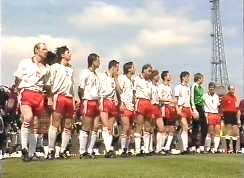Reprezentacja Polski przed meczem ze Szkocją na Hampden Park w Glasgow. 19 maja 1990 roku.