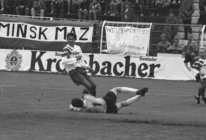 Marek Bajor podczas meczu Widzew Łódź - Eintracht Frankfurt 2:2 (16.09.1992).