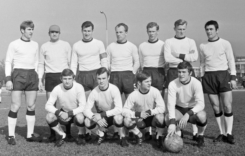 Drużyna Górnika Zabrze rok przez wielkim finałem we Wiedniu. Na zdjęciu jest jednak większość bohaterów meczu z Manchesterem City i półfinałowych starć z Romą.