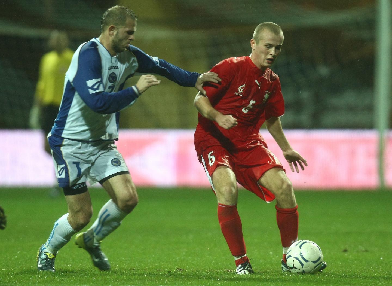 Michał Pazdan podczas meczu z Bośnią i Hercegowiną (15.12.2007).