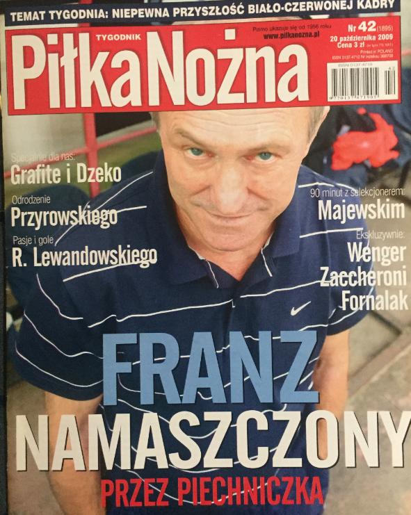 okładka piłki nożnej po meczu polska – słowacja (14.10.2009)