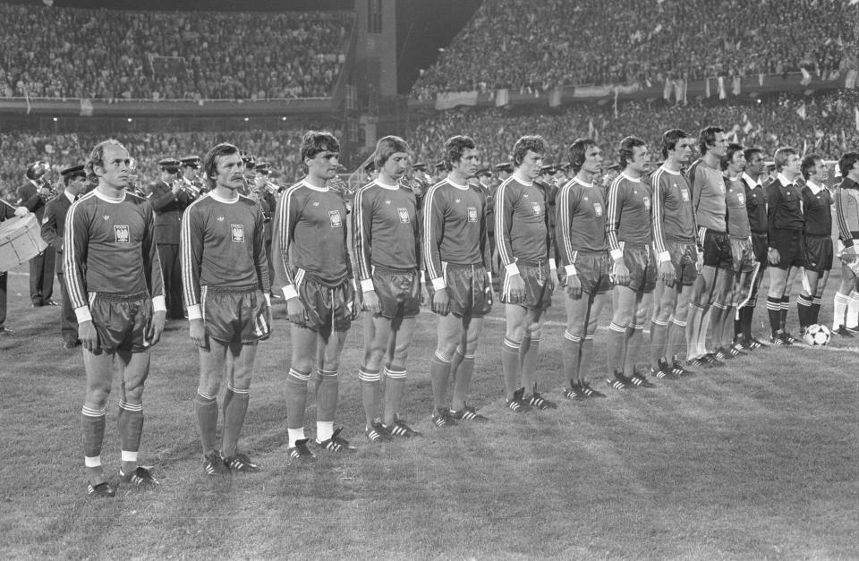 Reprezentacja Polski podczas hymnu przed meczem z Argentyną.