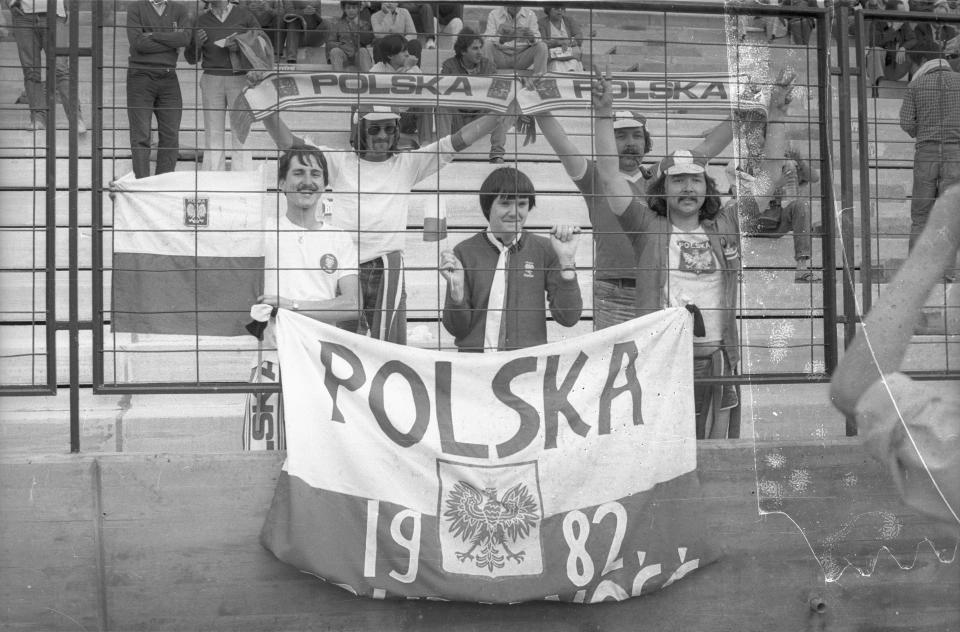 Polscy kibice na stadionie Riazor w La Coruni.