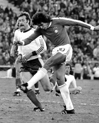 Polska - Brazylia (21.06.1978), porównanie piłkarzy Roberto Dinamite
