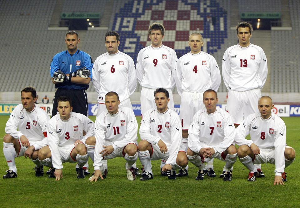 Reprezentacja Polski (w białych strojach) przed meczem towarzyskim z Macedonią.