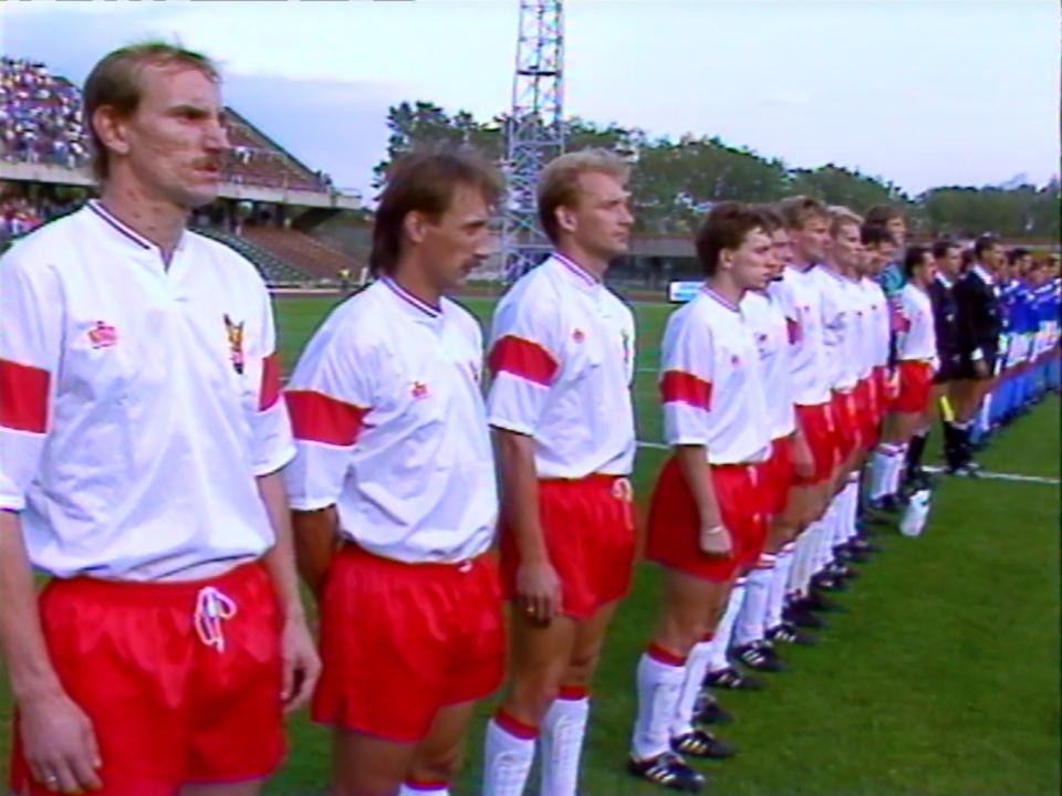 Reprezentacja Polski przed meczem z Izraelem w 1992 roku.