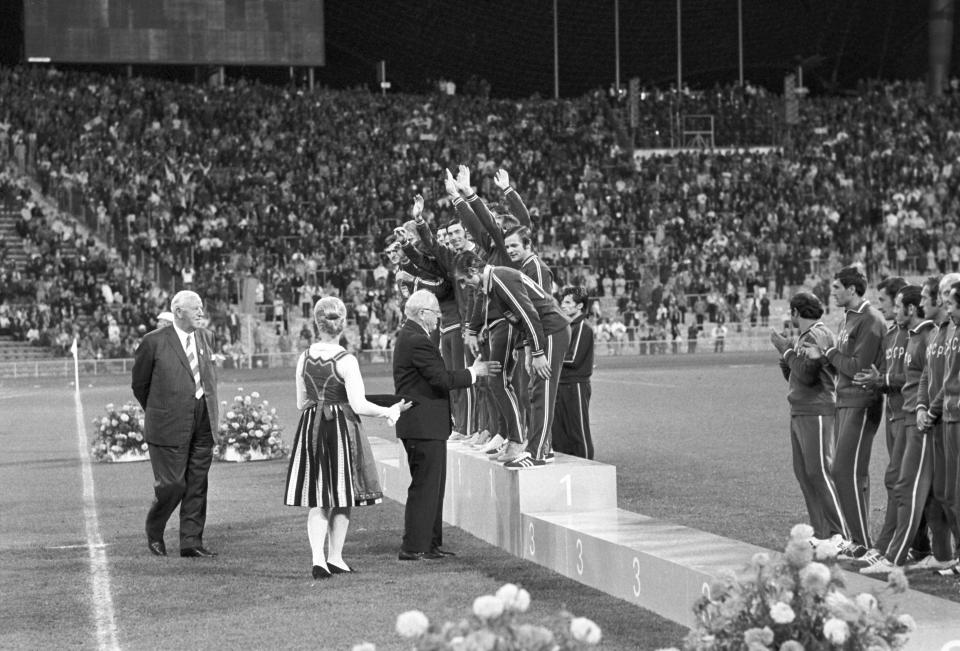 Polscy piłkarze na najwyższym stopniu podium igrzysk w Monachium.