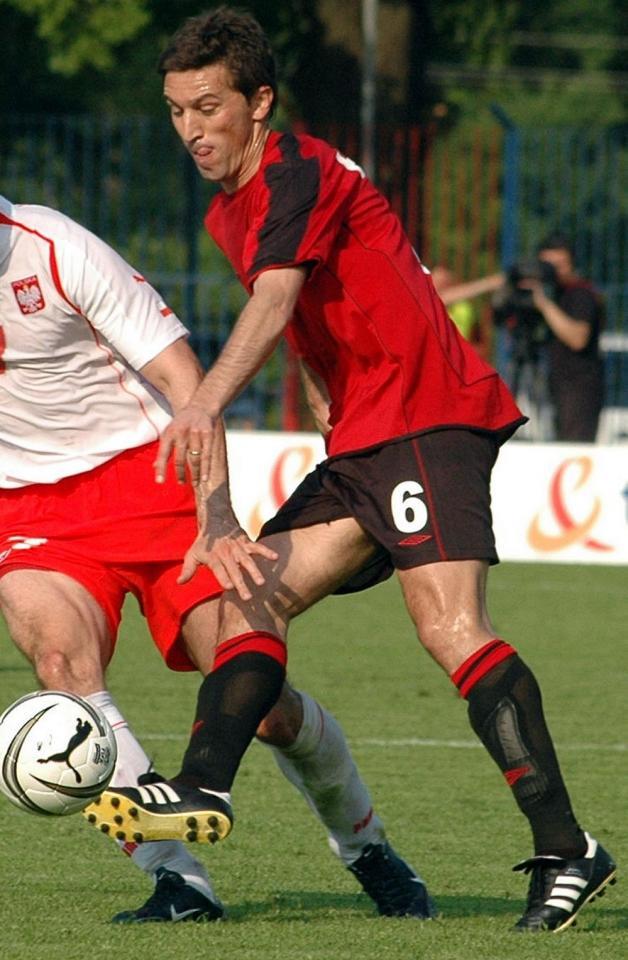 Besnik Hasi podczas meczu Polska - Albania 1:0 (29.05.2005).