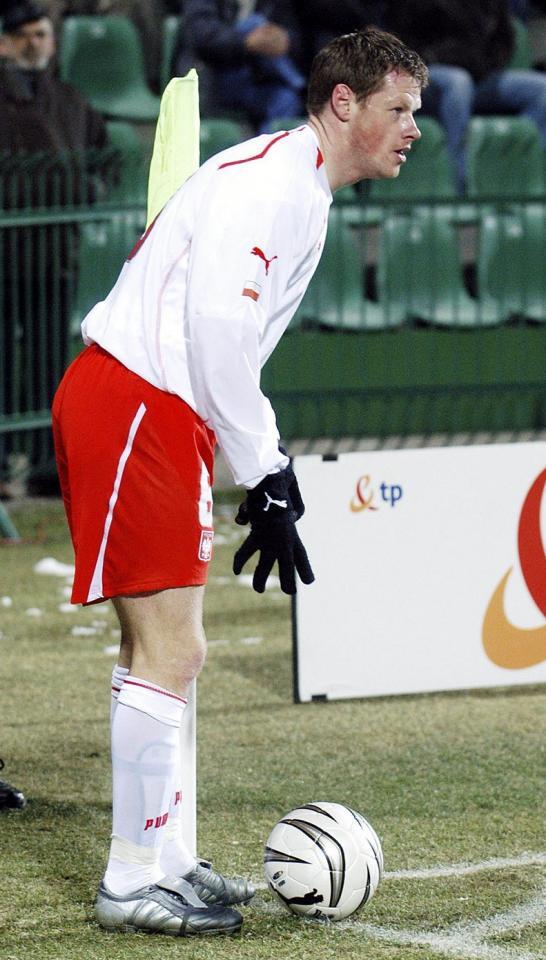 Jacek Krzynówek podczas meczu Polska - Białoruś 1:3 (09.02.2005).