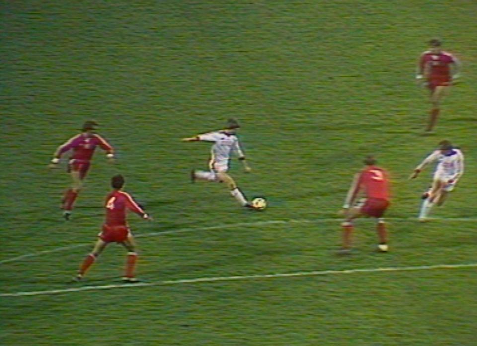 W 62. minucie gospodarze ustalili wynik spotkania na 2:0. Z dystansu uderzył Oleg Błochin, a Józef Młynarczyk nie zdołał sięgnąć piłki lecącej do siatki.