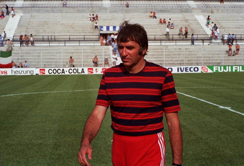 Antoni Piechniczek w dresie, który przyniósł mu szczęście. Na mundialu 1982 talizman zawiódł tylko raz, w półfinałowym spotkaniu z Włochami (0:2).