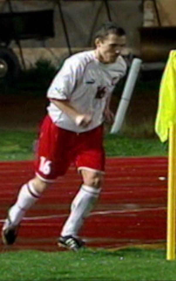 Paweł Drumlak podczas meczu Polska - Wyspy Owcze 2:1 (10.02.2002).
