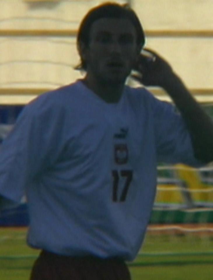 Kamil Kosowski podczas meczu Islandia - Polska 1:1 (15.08.2001).
