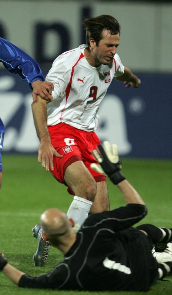 Maciej Żurawski podczas meczu Polska - Islandia 3:2 (07.10.2005).