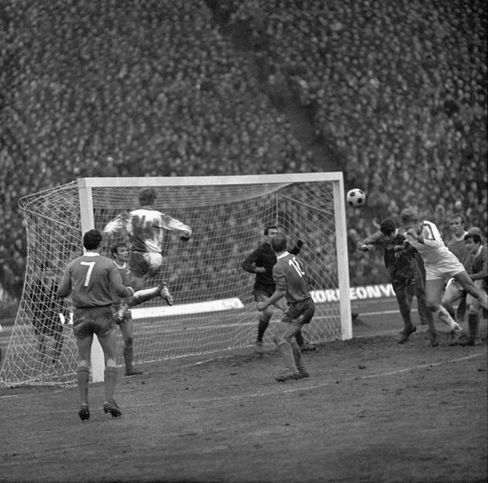 Rewanżowy ćwierćfinałowy mecz na Stadionie Śląskim z Lewskim Spartakiem Sofia obejrzało ponad sto tysięcy widzów. Zabrzanie wygrali 2:1 po golach Włodzimierza Lubańskiego i Jana Banasia, zapewniając sobie awans do półfinału.