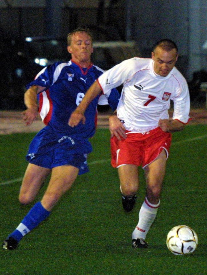 Paweł Kaczorowski podczas meczu Polska - Wyspy Owcze 2:1 (10.02.2002).