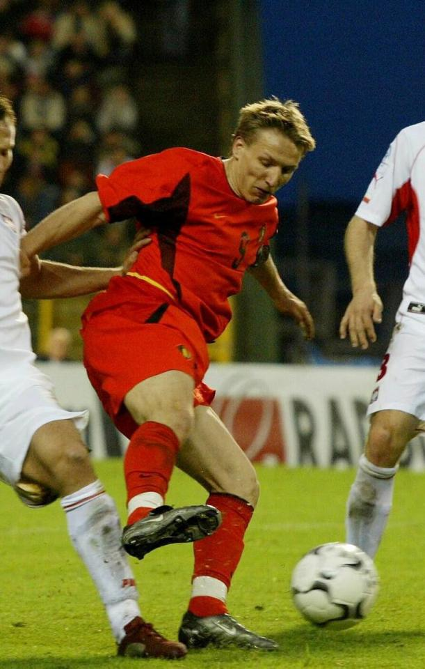 Wesley Sonck podczas meczu Belgia - Polska 3:1 (30.04.2003).