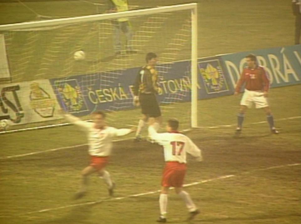 Podobnie jak w rozegranym dwa tygodnie wcześniej meczu z Brazylią, biało-czerwoni zmniejszyli rozmiary porażki dopiero w ostatnich minutach. Do siatki trafił kapitan drużyny Jacek Zieliński.