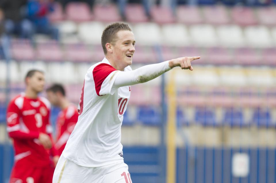 Piotr Zieliński podczas meczu reprezentacji do lat 19 Polska-Malta (11.10.2012).