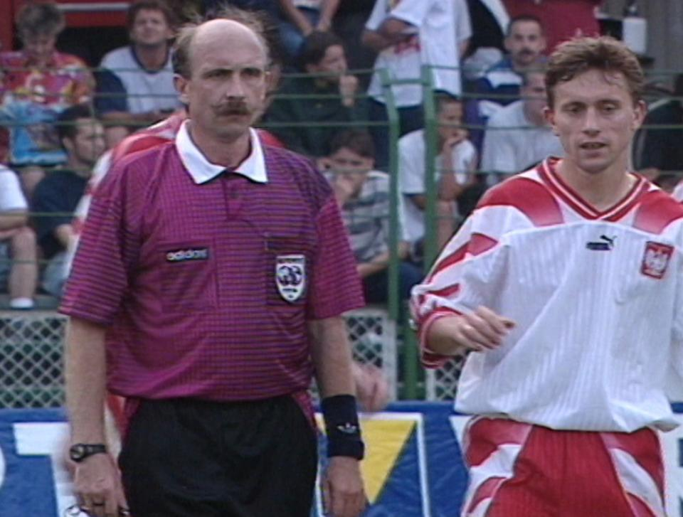 Jerzy Brzęczek podczas meczu Polska - Cypr 2:2 (27.08.1996).