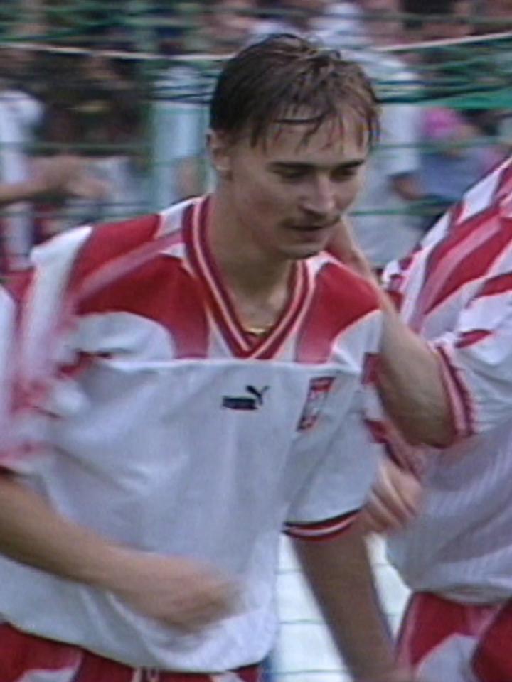 Dariusz Rzeźniczek podczas meczu Polska - Cypr 2:2 (27.08.1996).