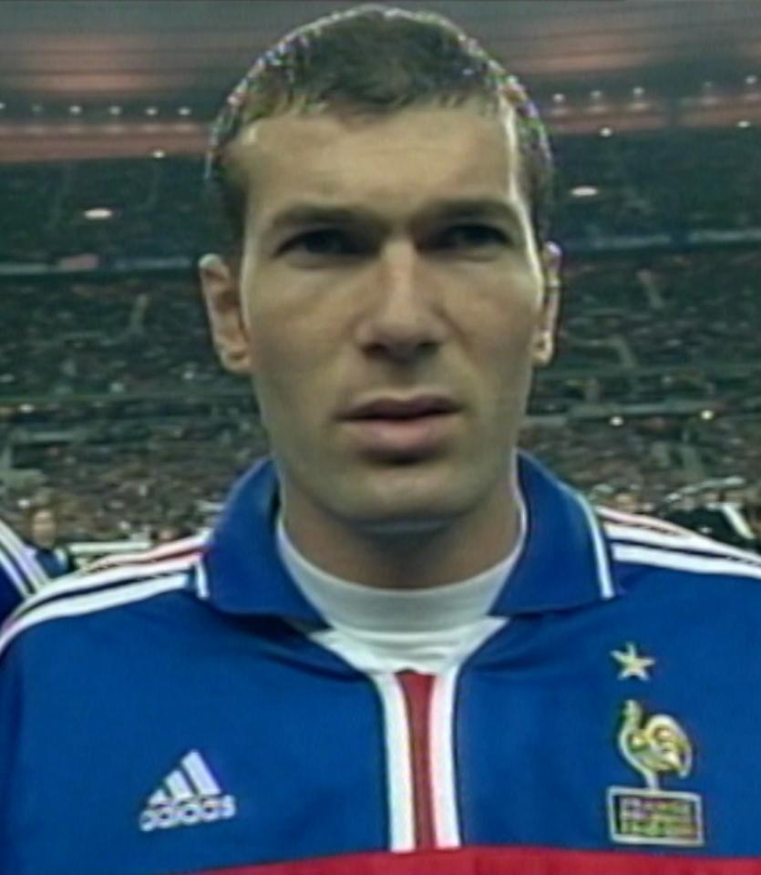 Zinédine Zidane podczas meczu Francja - Polska 1:0 (23.02.2000).